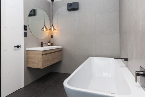 Forbes Residential Christchurch builders Bishop Street new build bath